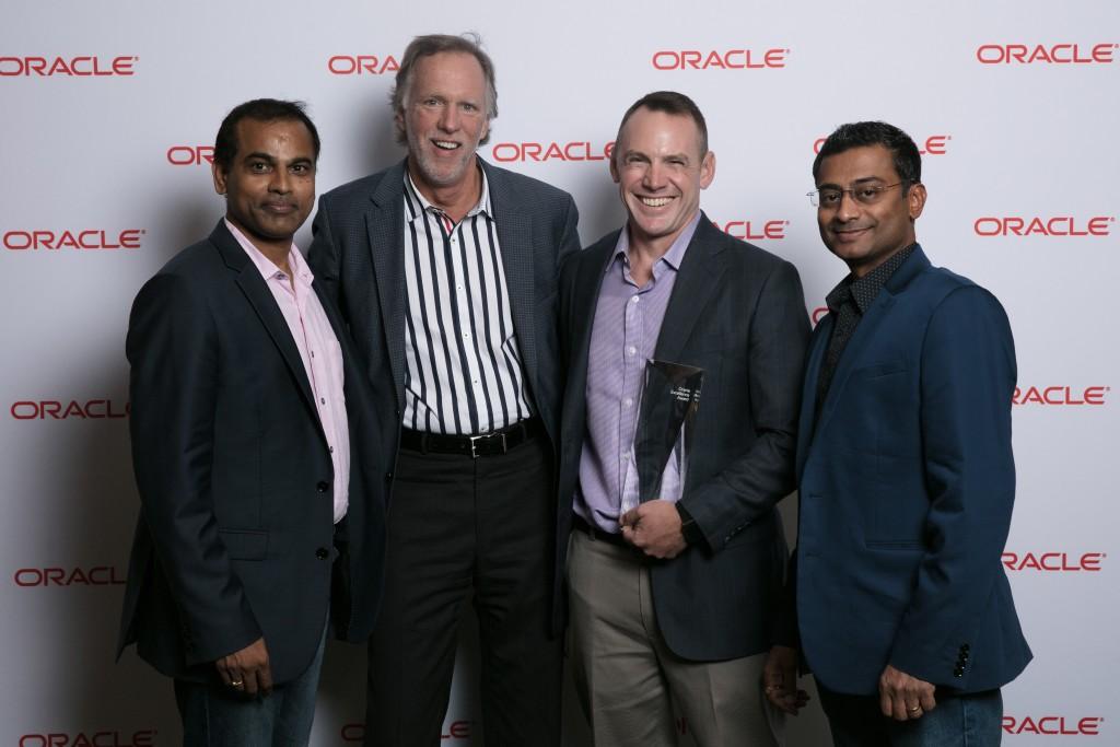 Beta Shim VP Zachariah Pratt accepts SMB Innovation Award at Oracle OpenWorld 2017